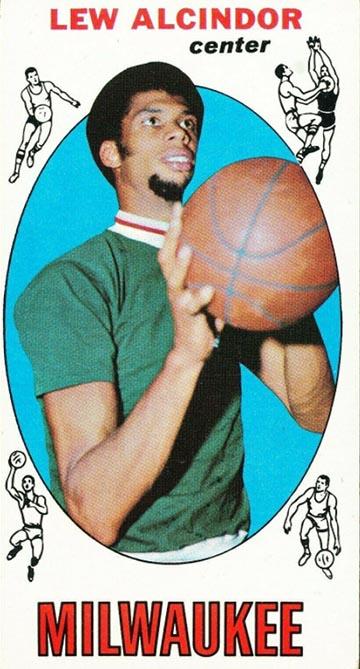 1969 Topps Lew Alcindor (Kareem Abdul-Jabbar) Rookie Card Front